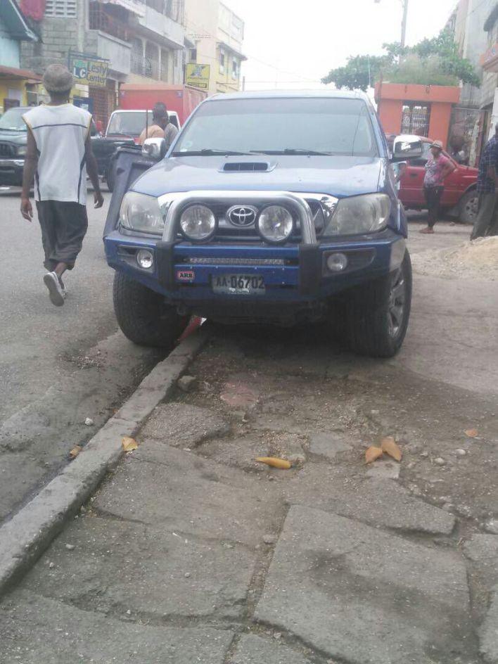 La voiture de Rolls Lainé dit Roro retrouvée à la Rue Joseph Janvier