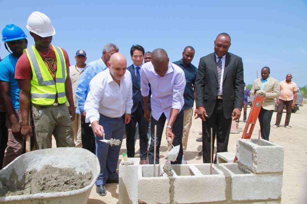 Participation du Président Moïse à la cérémonie de pose de première pierre des travaux d'expansion de la zone franche de Lafito