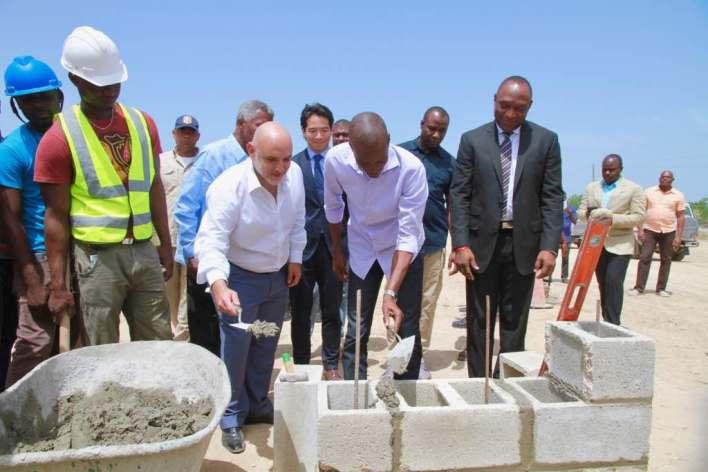 Participation du Président Moïse à la cérémonie de pose de première pierre des travaux d'expansion de la zone franche de Lafito wp 1495837875140